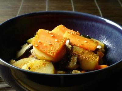 Nabe of carrots, potatoes, shiitake and tofu
