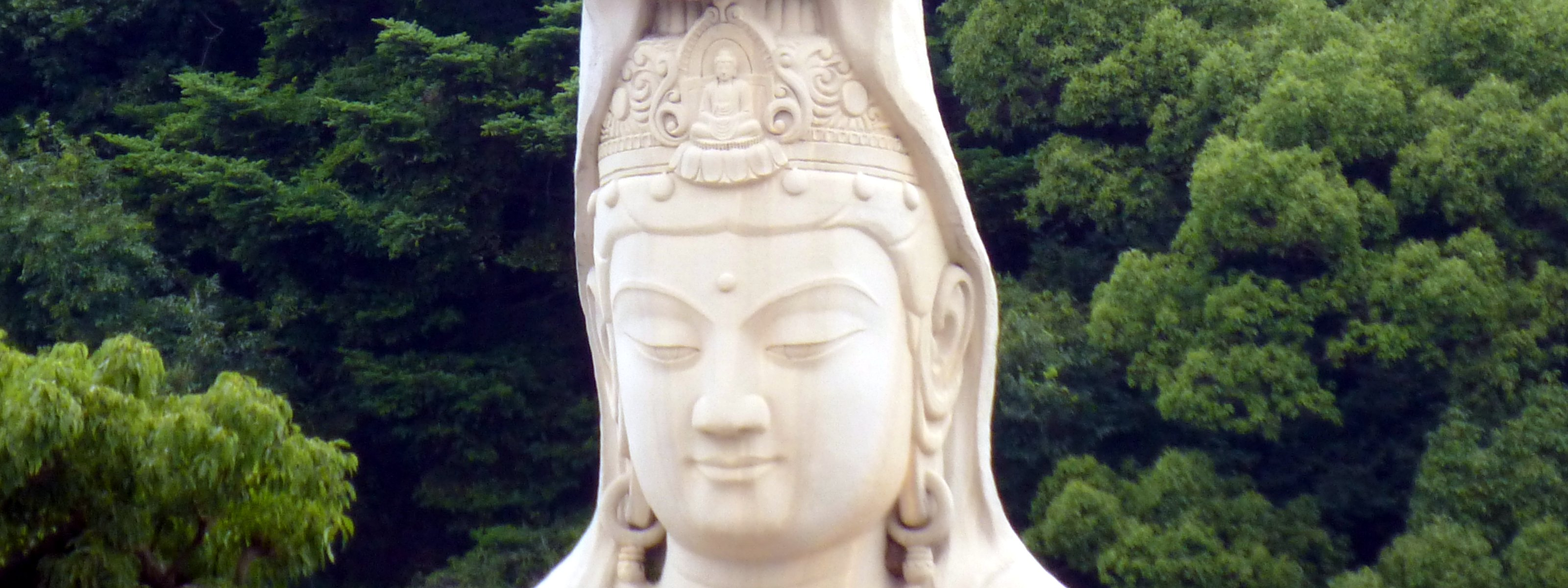 The mystery of the giant Kannon statues