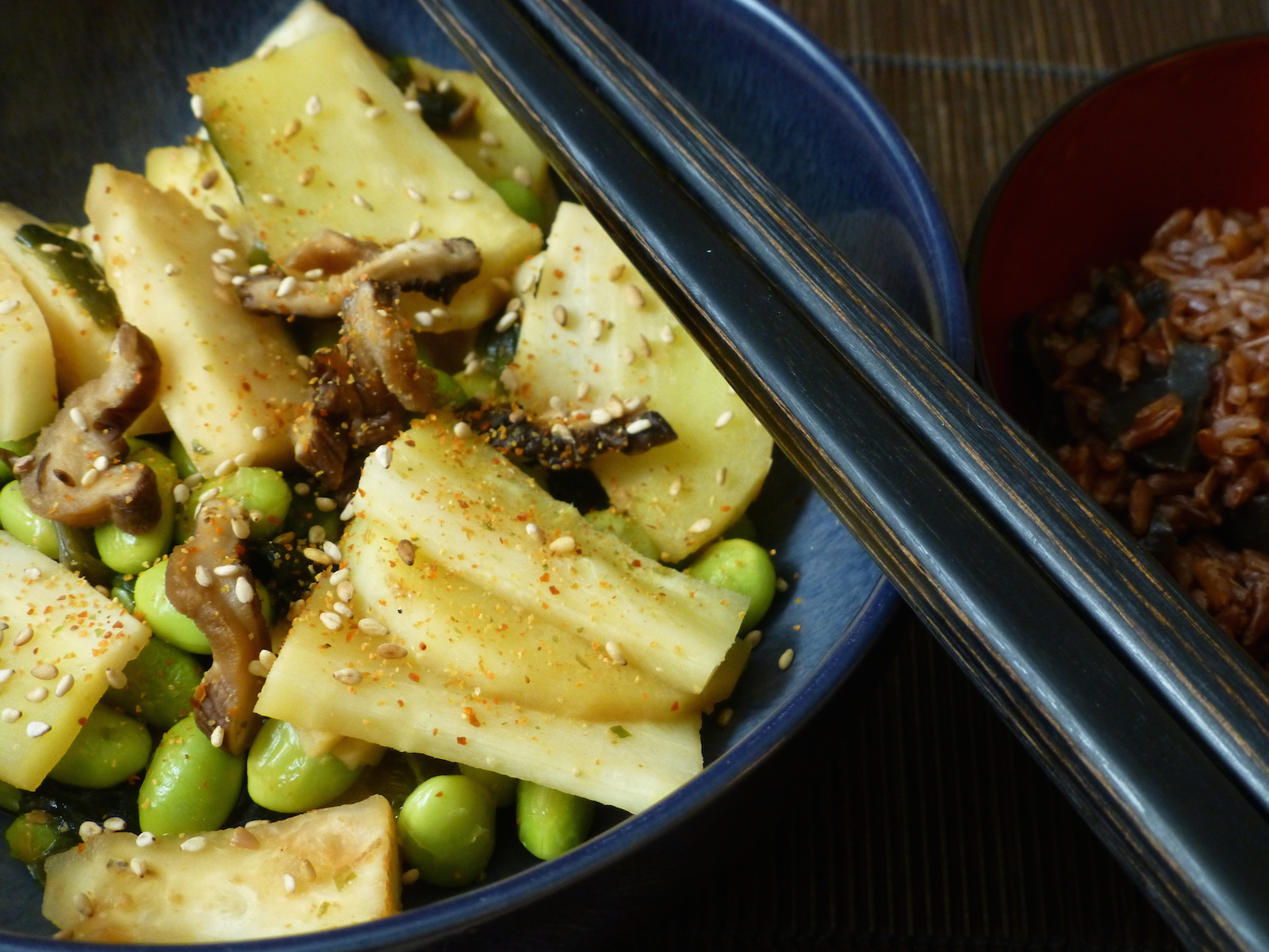 Nabe of parsnips, celeriac and soy beans with red rice