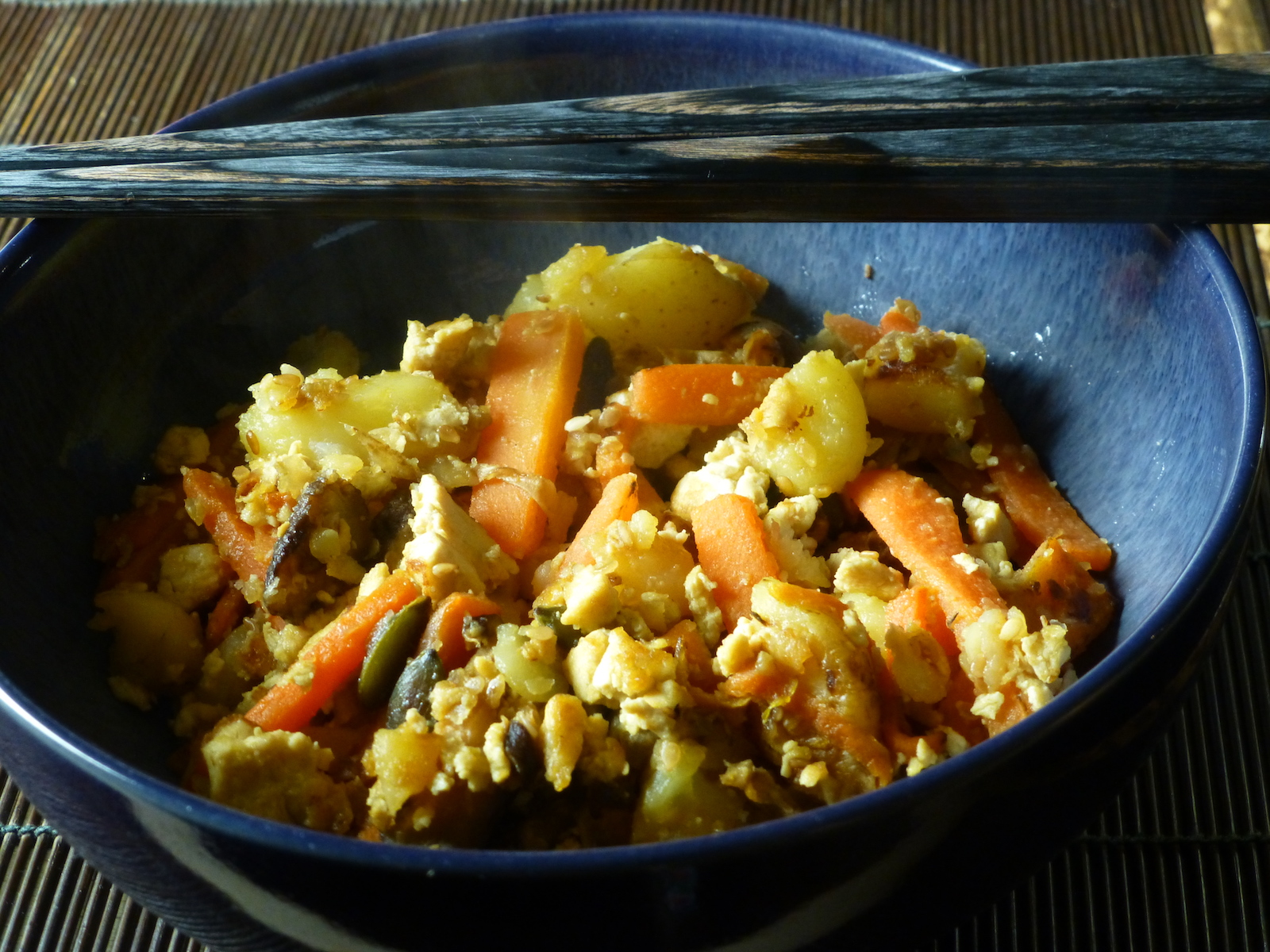 Stir-fry of tofu, potatoes and carrots