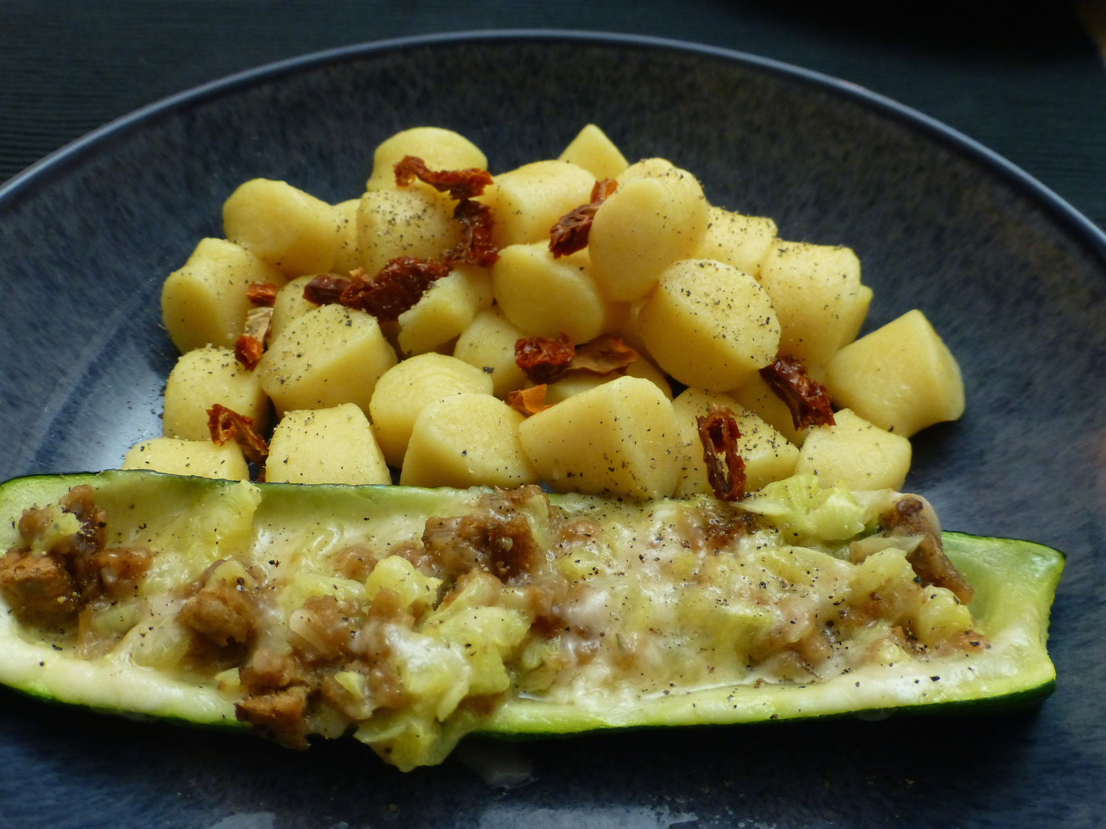 Stuffed courgettes with gnocchi