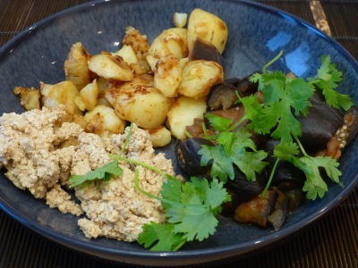 Tofu-hummus, fried potatoes and aubergines