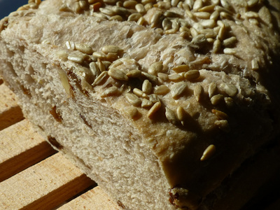 White bread with raisins and walnuts