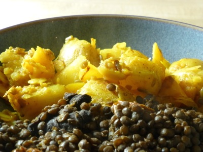 Yellow peppers, potatoes and Puy lentils